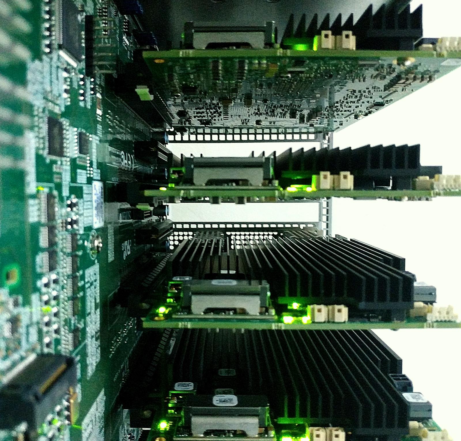 FPGA SmartNIC dành cho mục đích tăng tốc mạng